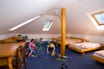 Čtyř- až šestilůžkové pokoje vpodkroví